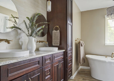 Modern Farmhouse Bathrooms